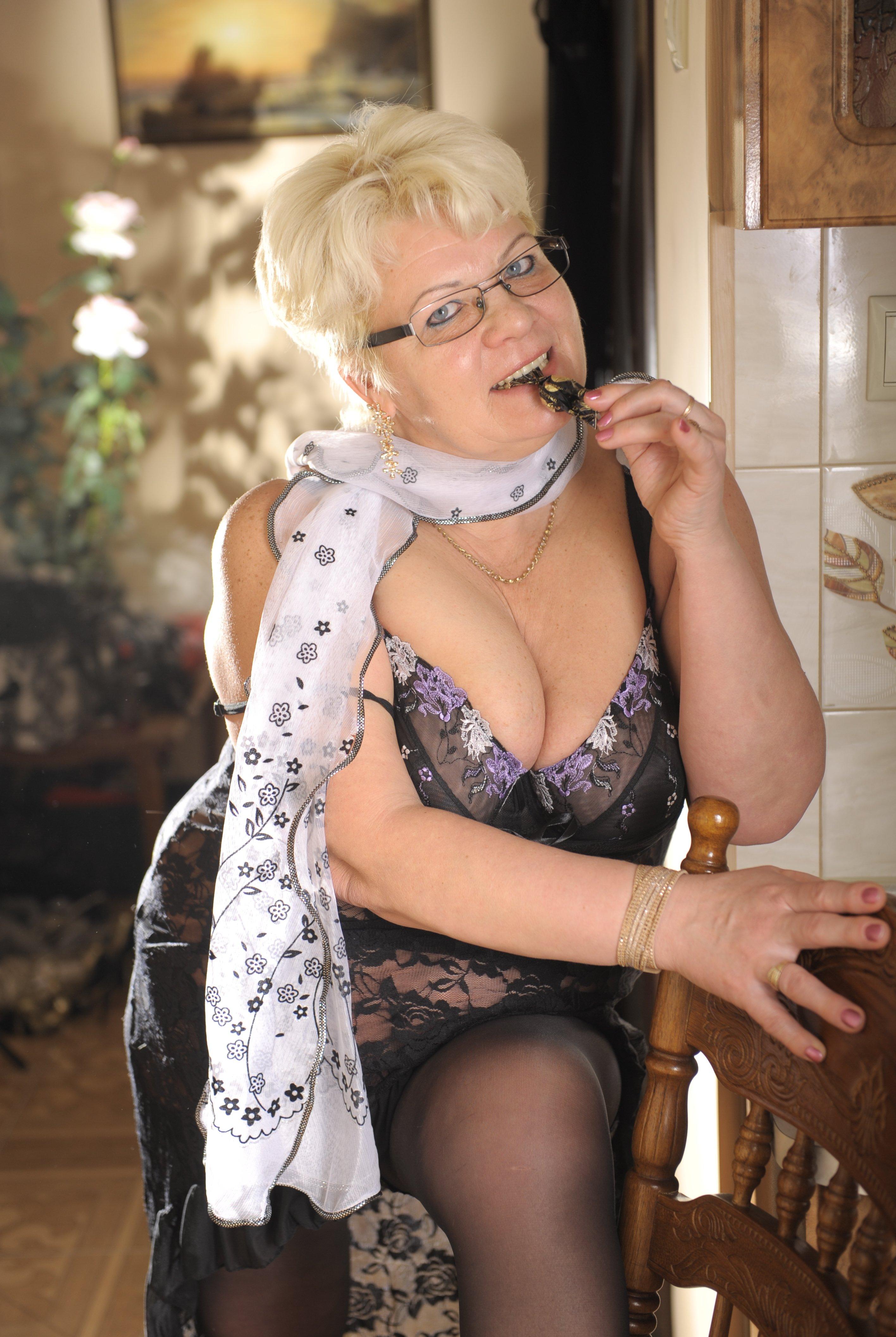 жирная сучка зрелые проститутки в москве сколько стоит импульс рецепторов